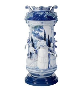 LADIES IN THE GARDEN VASE - BLUE