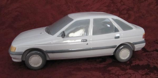 1990 Ford Escort  (Blue/Grey)
